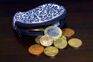 Nawyki finansowe. Małe zakupy rób gotówką